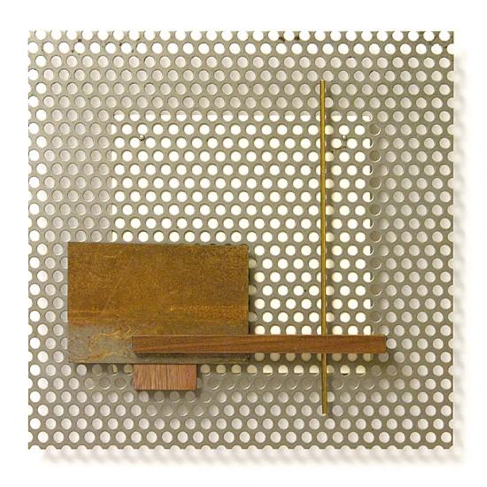 Dombormű #29., 2011., vas, fa, sárgaréz, vegyes technika, 32 x 32 cm