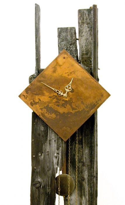 Súlyos óra, 2009., fa, vas stb., vegyes technika, 220 cm