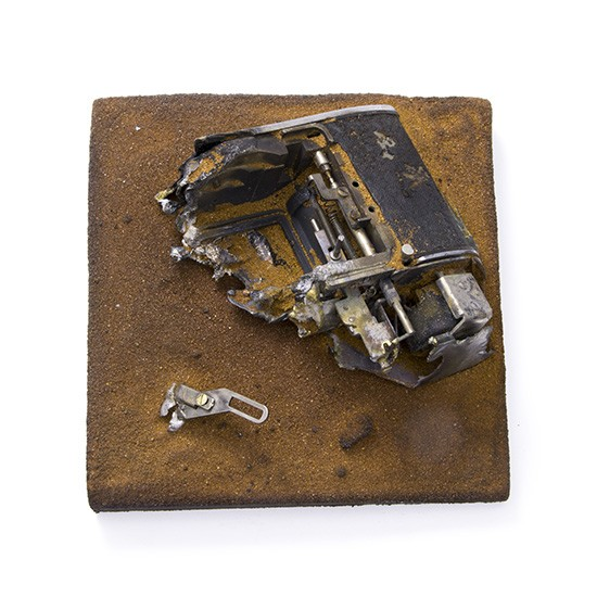 Close-up I., 2015., sand, camera parts &c., mixed media, 140 x 140 mm