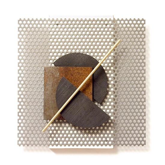 Dombormű #46., 2011., vas, fa, sárgaréz, vegyes technika, 26 x 25 cm